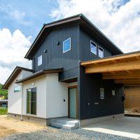 施主様の声&ギャラリー更新「一日を通して明るい住空間の家」