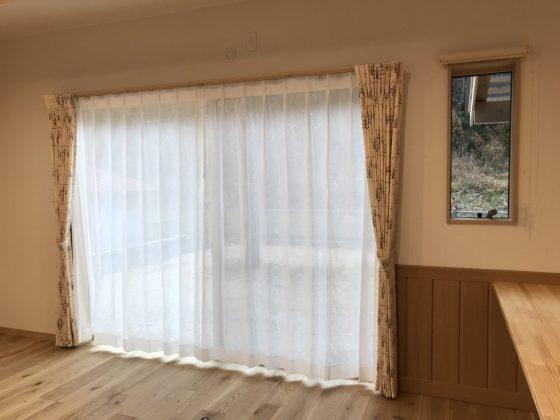 お部屋を彩るカーテン